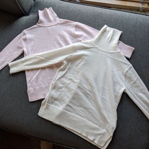 Bundle. 2 Zara turtle neck sweaters
